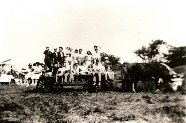 Wagon ride - 1937 Reunion